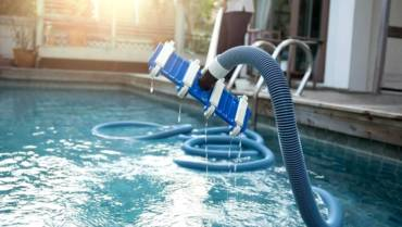 Pool Cleaning & Repair