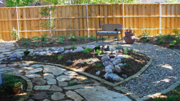 Custom Rock & Hardscaping